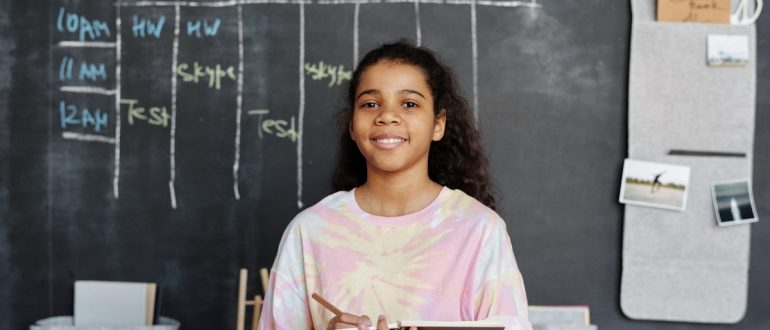 student-chalkboard-calendar